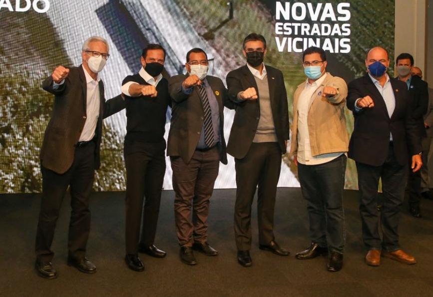 Deputado Edson Giriboni, governador João Doria, Guilherme, vice-governador Rodrigo Garcia, e os deputados Rodrigo Moraes e Ricardo Madalena
